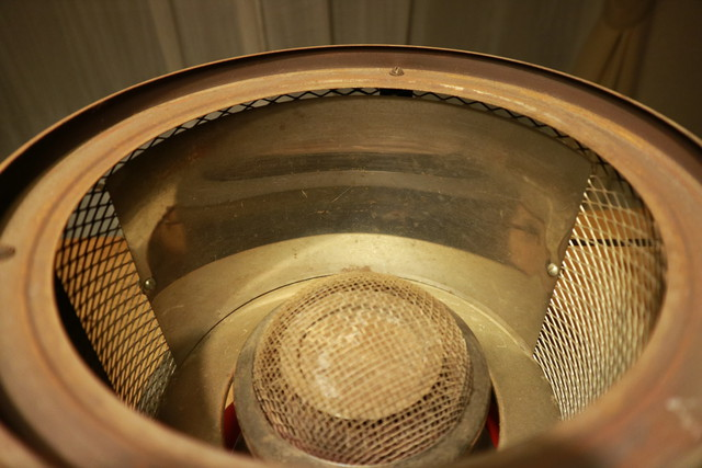 サンエム養蚕用石油ストーブのエース型