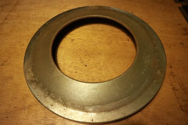 サンエム養蚕用石油ストーブのエース型の芯調整器のカバー