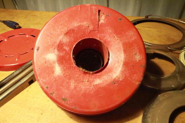 サンエム養蚕用石油ストーブのエース型のタンクの裏
