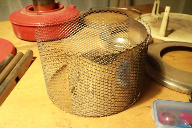 サンエム養蚕用石油ストーブのエース型のガード