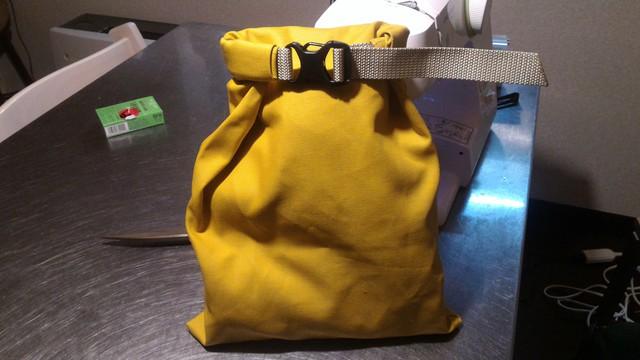アウトドア用小物バッグの全体像