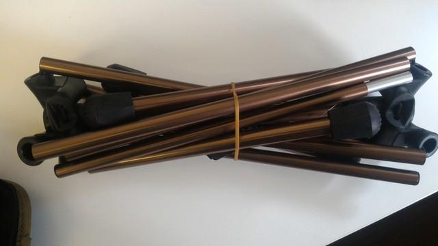 FIELDOOR製のポータブルコンパクトアウトドアチェアのフレーム
