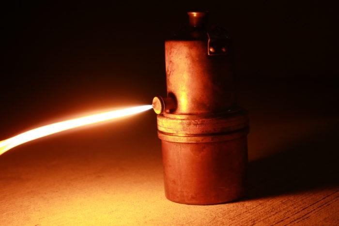 カーバイトランプの炎