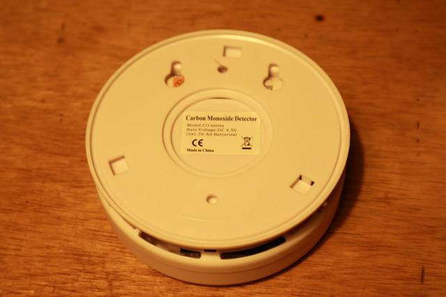 キャンプ想定の一酸化炭素警報機