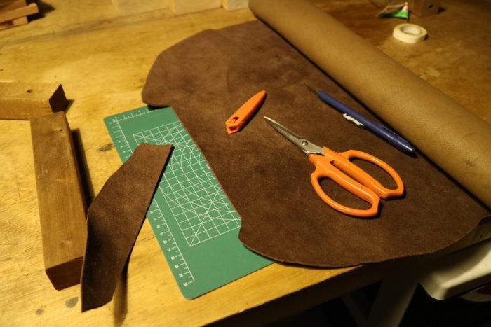 革砥の作成の革の切り出し