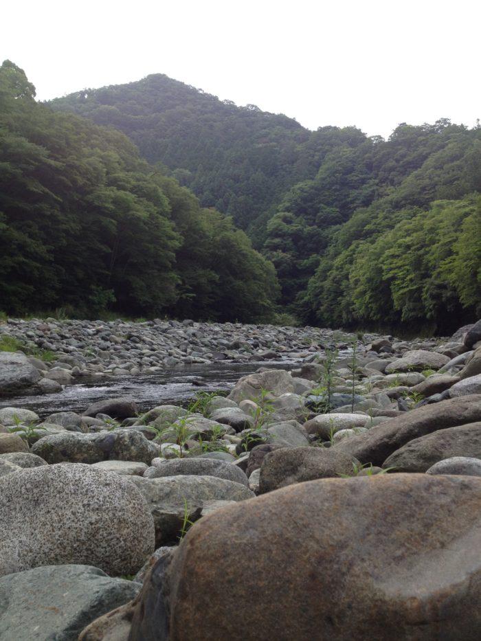 藤野キャンプ場サイレントリバーの河原