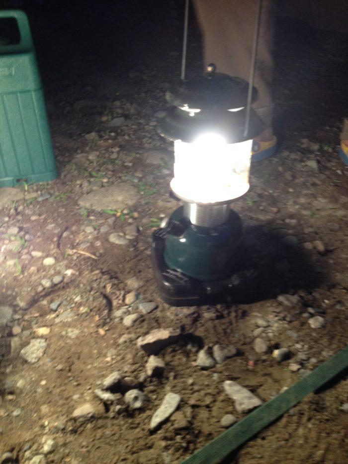 藤野キャンプ場サイレントリバーでキャンプの時に使用したランタン