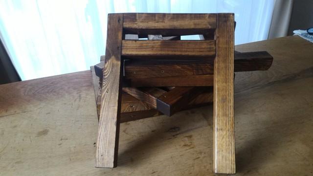 囲炉裏テーブルの足をWATOCOオイルのダークウォルナットとBRIWAXのJACOBEANで仕上げる
