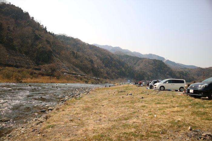 田代運動公園のキャンプをする河川敷の川