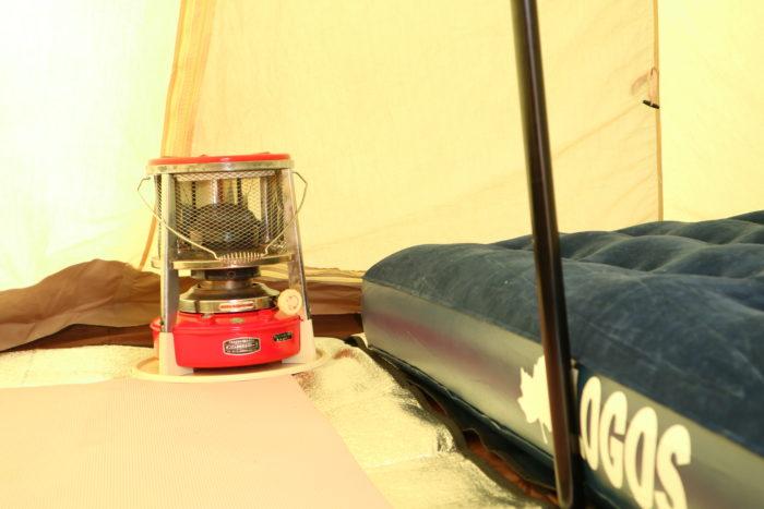 ノースイーグルのコットンワンポール300にLOGOSのエアーベットとサンエムストーブを入れてみる