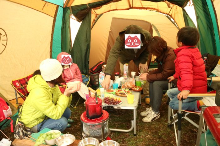 森のまきばオートキャンプ場でのキャンプの朝食風景