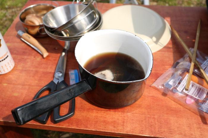 キャンプで麦茶を沸かす
