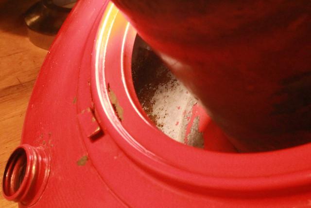 花咲かGタンククリーナーにサンエム養蚕ストーブを漬けた後