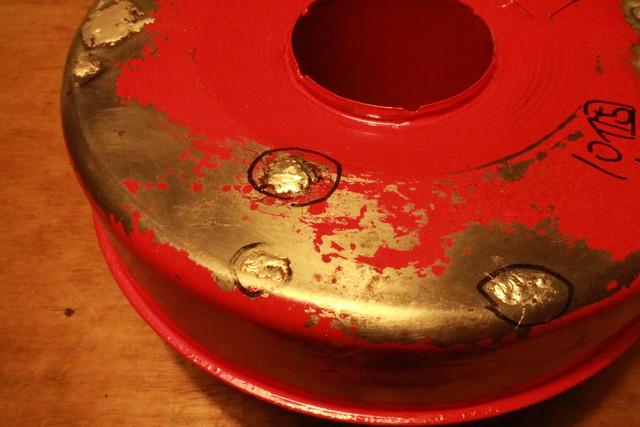 サンエム養蚕ストーブの燃料漏れの個所を半田で修理