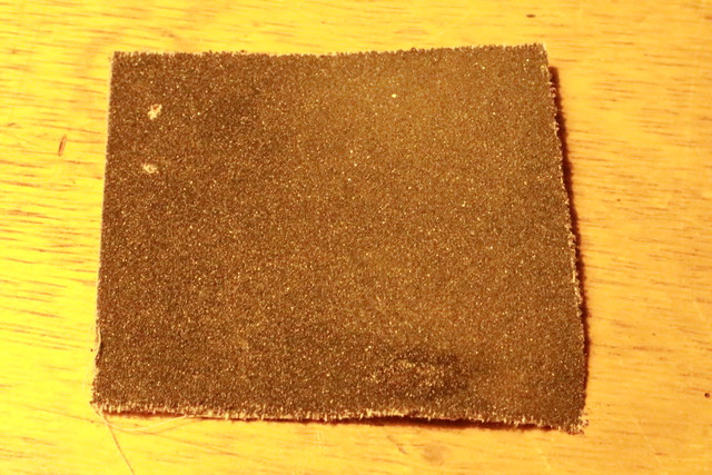 サンエム養蚕ストーブの燃料漏れ修理に使うヤスリ