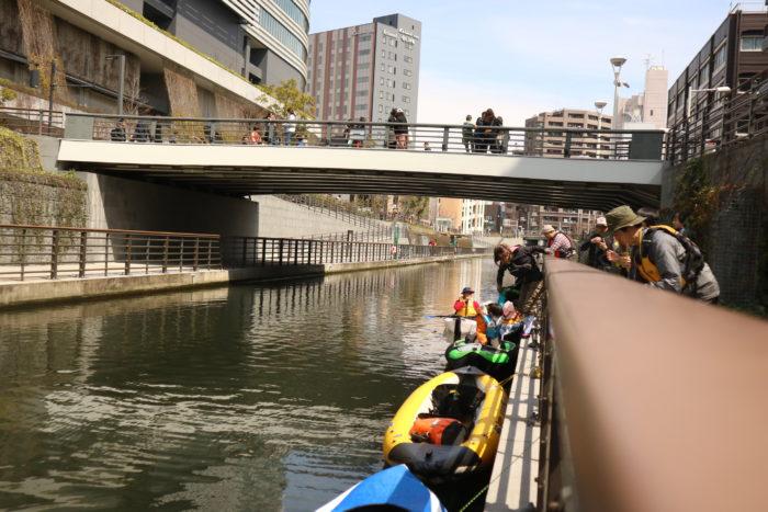 東京運河のスカイツリー航路でカヤックをしてスカイツリーに到着。
