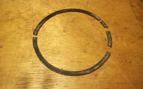 サンエムストーブの芯調整器パッキン作成が劣化して硬化