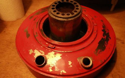 サンエムストーブのレストアで再塗装前のタンク
