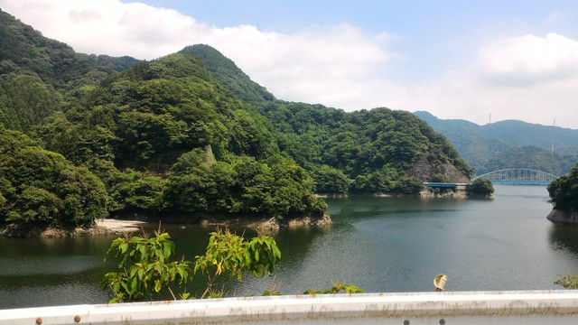 丹沢湖で初めての湖カヤックをやる為に焼津ボート乗り場へ向かう