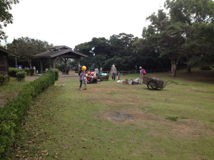 大房岬キャンプ場で設営