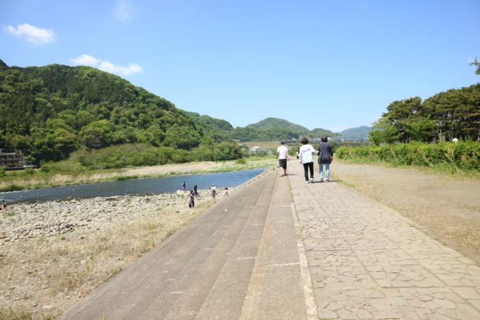 GWの上大島キャンプ場の相模川