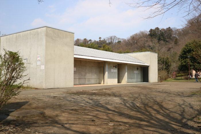 上大島キャンプ場のトイレ