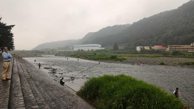 上大島キャンプ場の相模川