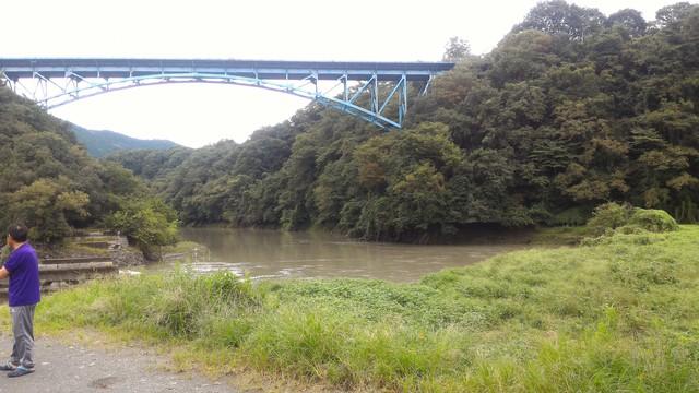 道志川が相模川へ流れ込むポイント
