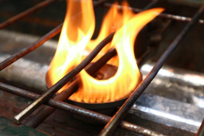 Colemanツーバーナー413の炎上