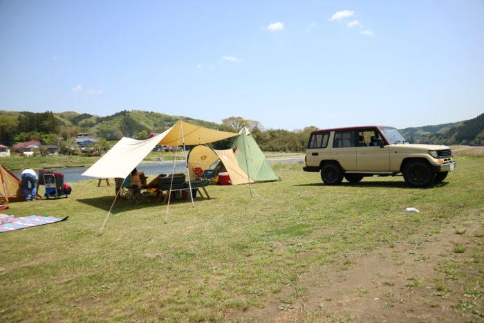 2017益子陶器市の宿泊先のオートキャンプ那珂川ステーションで設営