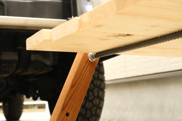 アイアンウッドテーブルの試作機、異形鉄骨バージョン