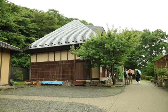 谷戸山公園の里山体験館