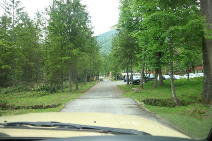 菅沼キャンプ村の駐車場