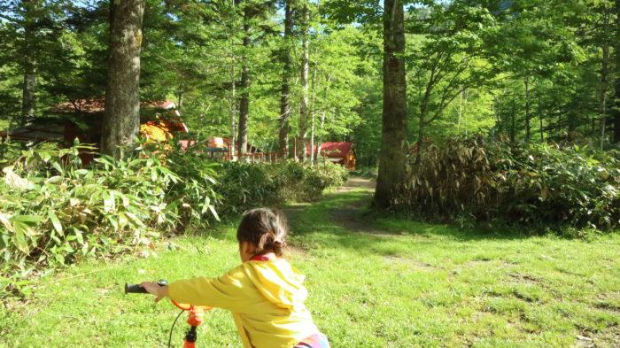 菅沼キャンプ村の朝のサイクリング