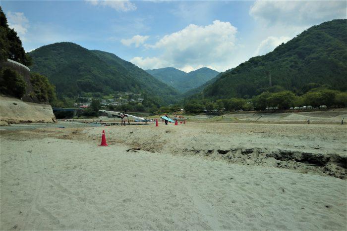 第17回カヌーマラソンIN丹沢湖の終了後、艇を持って帰る