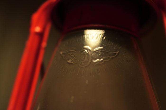 CANONレンズ EF-M 22mm f2 で撮ったWINGED WHEELの写真