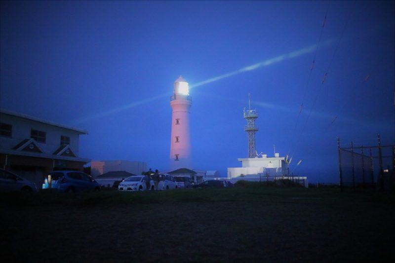 朝日を見に夜明け前の犬吠埼灯台に来ました。