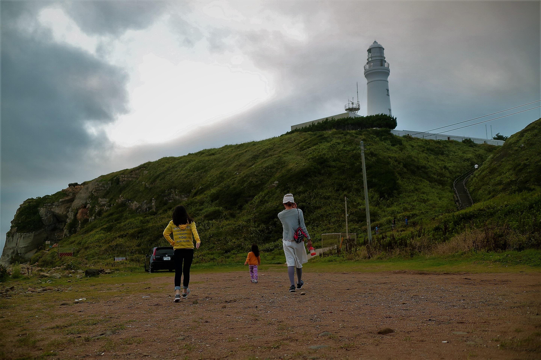 朝日が出た後の犬吠埼灯台の海