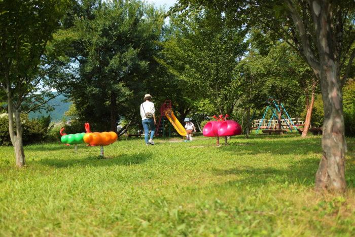 湖畔のパン工房レイクベイクが開店する前に公園で遊んでみる
