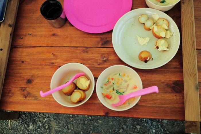 浩庵キャンプ場での昼食
