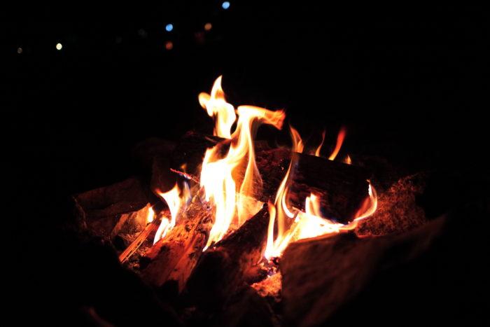浩庵キャンプ場で焚き火
