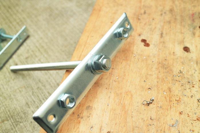 薪ストーブ、チョッパープロトタイプに使う鋼製束に使う煙突支え部分を加工
