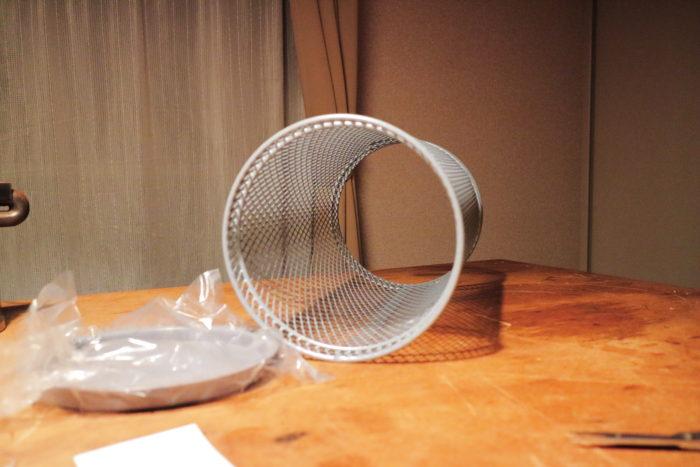 新保製作所の薪ストーブのチョッパープロトタイプの煙突ガードの材料の傘立て