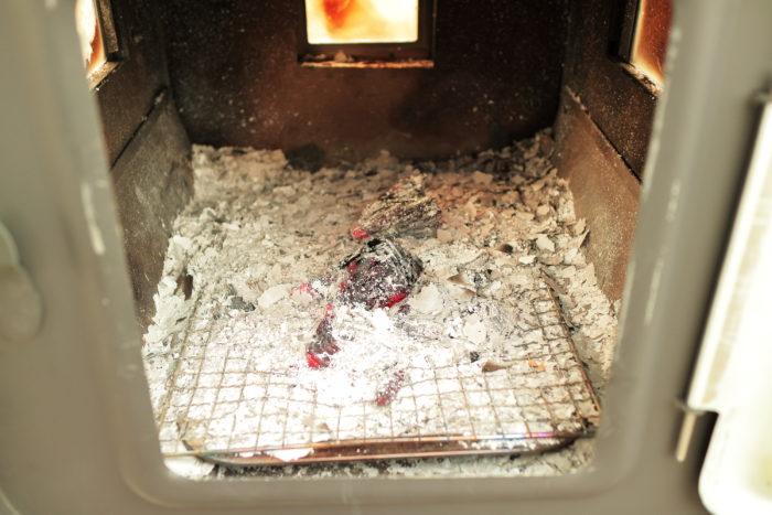 新保製作所の薪ストーブのチョッパープロトタイプの火入れ後
