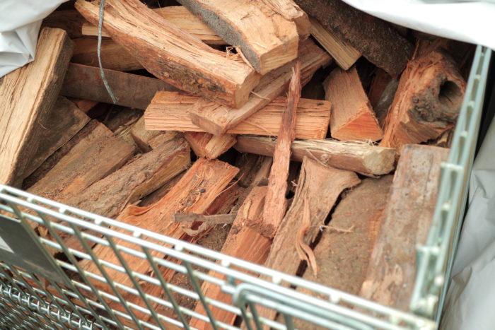町田市にある東京薪販売で売られている広葉樹の薪