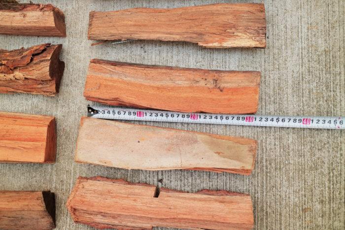 町田市にある東京薪販売で買った広葉樹の薪の長さ
