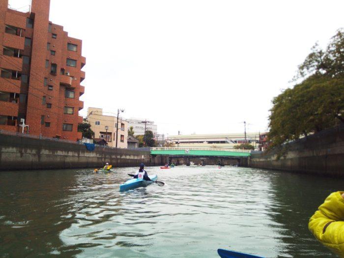 2017第36回横浜縦断カヌーフェスティバルのレース中