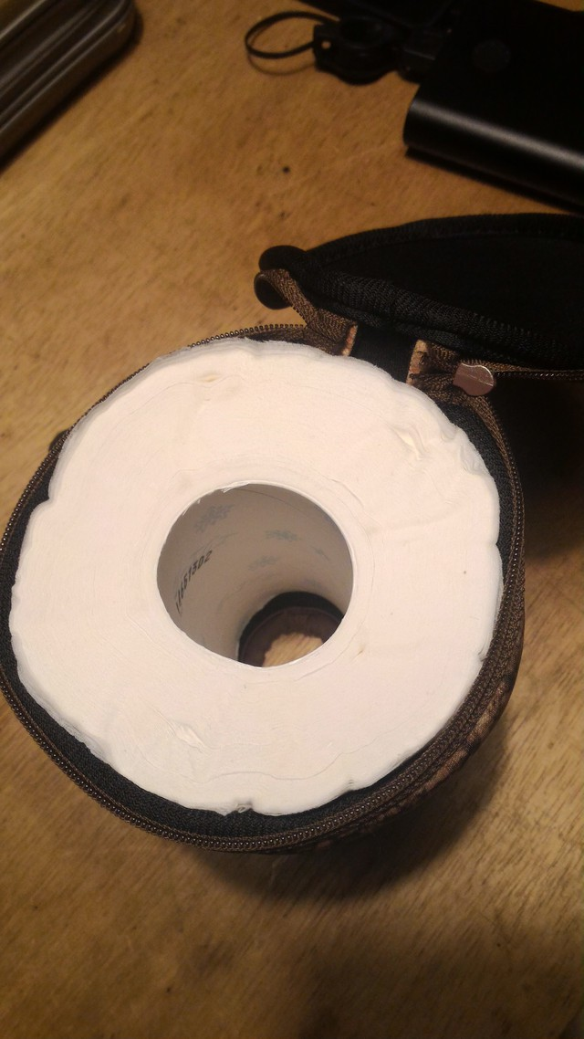 Shrug(シュラグ) ロールペーパーバッグのレビューでトイレットペーパーを入れたところ