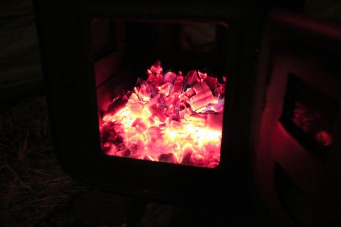 田代運動でソロキャンプをして新保製作所のチョッパープロトタイプで暖をとる