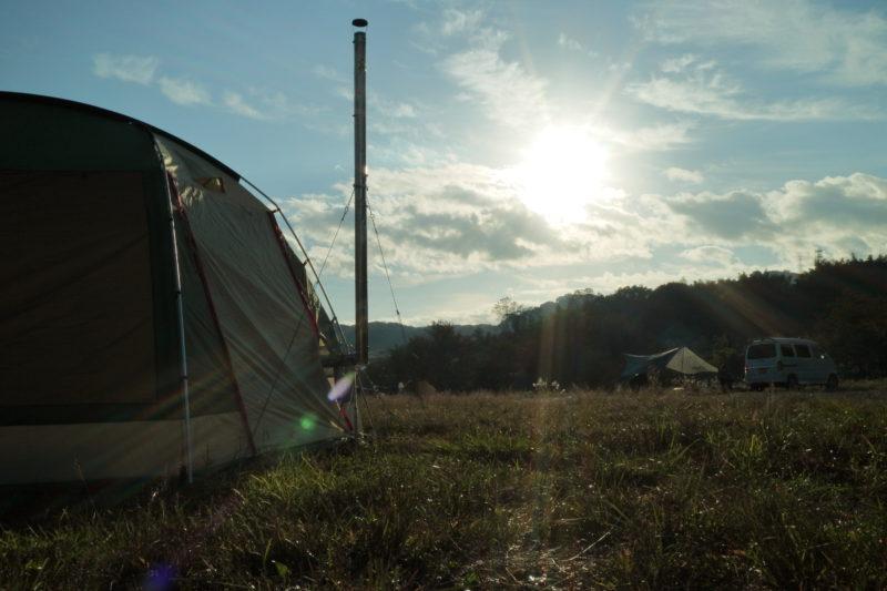 田代運動でソロキャンプの朝日